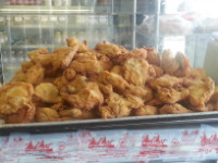 A tray of fresh fried chicken